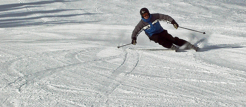 Carving skiing